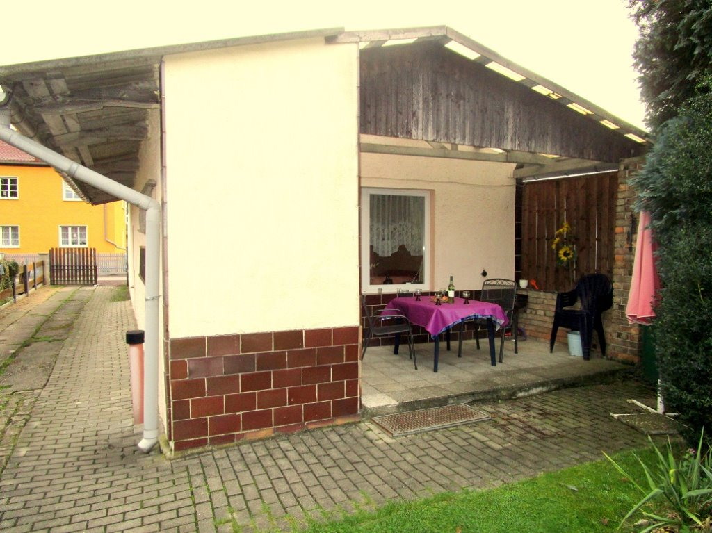 Ferienhaus mit Terrasse und Kamin für 5 Personen mit 2 ...