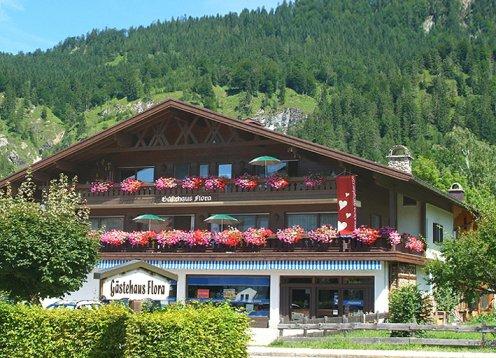 Gästehaus Flora in Reit im Winkl - Chiemgau mit Hund