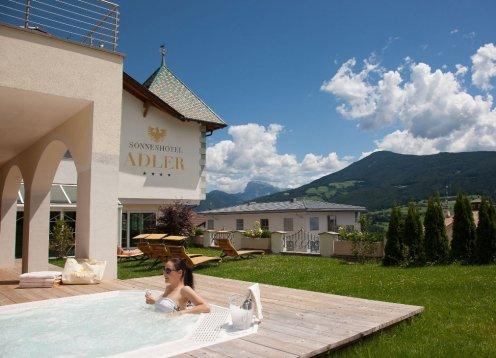 Sonnenhotel Adler**** Urlaub mit Hund und mit Blick auf die Dolomiten