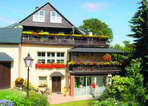 Pension Teuber in Oberwiesenthal im Erzgebirge mit Sonnenterrasse