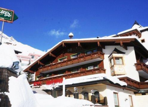 Alpenbad Hotel Hohenhaus - über den Dächern von Hintertux