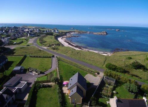 Ferienhaus in der Bretagne Meter 50 vom Strand mit Meerblick