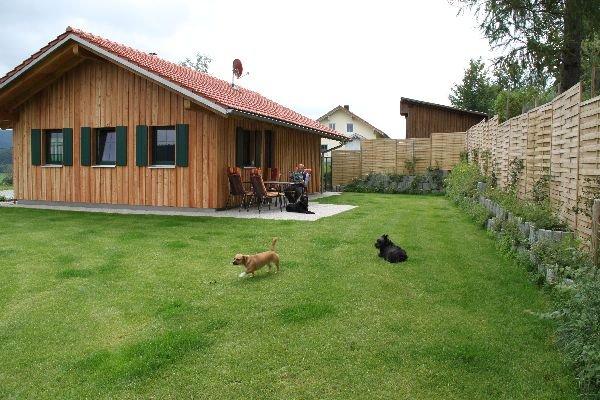 hinterschmiding ferienhaus eintrag ferienhaus bayerischer wald mit hund und pferd. Black Bedroom Furniture Sets. Home Design Ideas